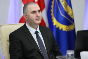 Министр финансов привьется вакциной против COVID-19
