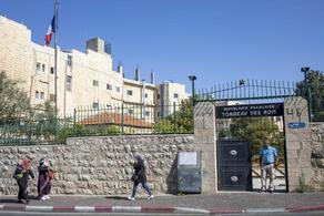 საფრანგეთი სამხრეთ იერუსალიმში მდებარე სადავო საფლავს თავიდან ხსნის