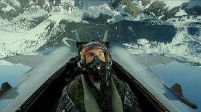 ტომ კრუზს აშშ-ის საზღვაო ძალების საპატიო ავიატორის წოდება მიენიჭა