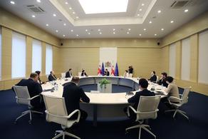 პრემიერ-მინისტრი ძალოვანი უწყებების წარმომადგენლებს შეხვდა