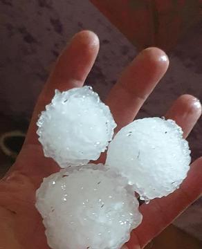 Massive hail hits Georgia's Gomismta resort - VIDEO