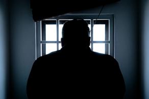 ლატვიაში პატიმრებს ოჯახის წევრებს დაკრძალვაზე დასწრების ნება დართეს