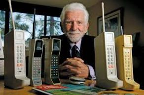 Сегодня день рождения мобильных телефонов
