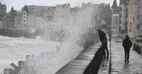 Во Франции бушует ураган Белла
