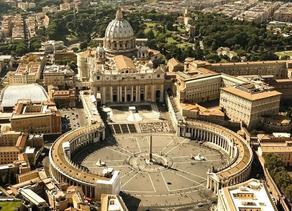 ვატიკანში წმინდა პეტრეს ტაძარი გაიხსნა