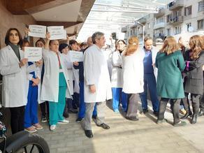 Свободу доктору Важе Гаприндашвили! - в Грузии прошли акции протеста - ФОТО