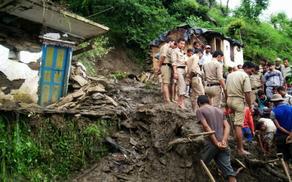 ინდოეთში სტიქია მძვინვარებს - 150 ადამიანი უგზო-უკვლოდ დაკარგულია