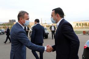 პრემიერ-მინისტრი დაზვერვის სამსახურის თანამშრომლებს შეხვდა