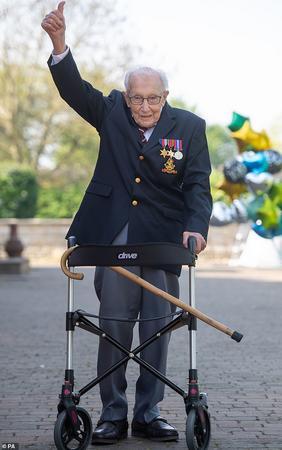 100 წლის ვეტერანი დედოფალთან შეხვედრას ელოდება