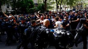პარიზში რეგულაციების საწინააღმდეგო აქციაზე პოლიციასთან დაპირისპირება მოხდა