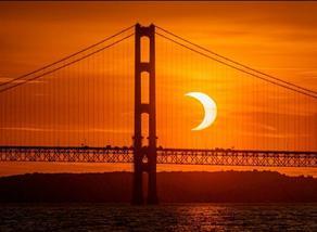 როგორ გამოიყურებოდა მზის დაბნელება მსოფლიოს სხვადასხვა წერტილიდან - PHOTO