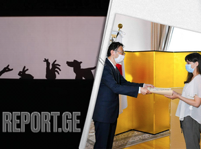 Shadow Theater actor receives award by Minister of Foreign Affairs of Japan