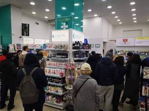People storing food and medicine amid coronavirus fears - PHOTO