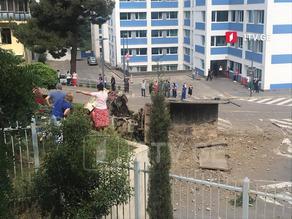 ავტოსაგზაო შემთხვევა თბილისში - კრწანისის ქუჩაზე სატვირთო ამოყირავდა