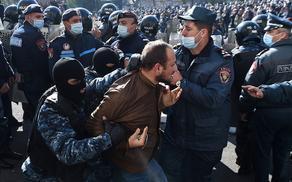 В Ереване оппозиция провела масштабную акцию протеста