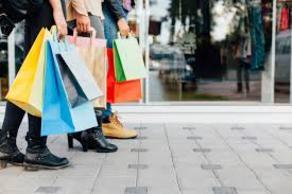ტანსაცმლის ყიდვა ადამიანებს აღარ აბედნიერებს