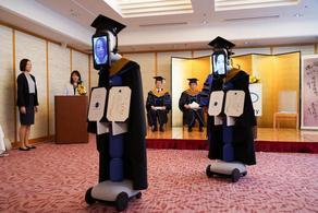 ტოკიოს უნივერსიტეტმა გამოსაშვები საღამო რობოტების მეშვეობით გამართა - PHOTO