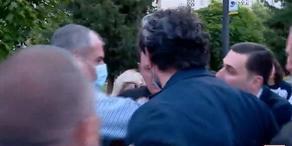 Между мэром Тбилиси и гражданскими активистами произошло противостояние