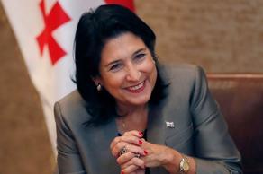 Саломе Зурабишвили поздравила Важу Гаприндашвили с освобождением