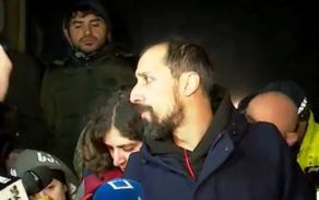 Как утверждает Гига Макарашвили, активисты мечты выстрелили в них пиротехникой