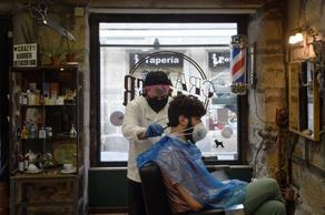 ბერძნებს თმის შეჭრის უფლება მისცეს - PHOTO