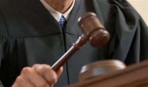 Судья удалил из зала суда адвоката задержанных демонстрантов