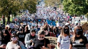 Thousands of protesters march against Trump in Washington