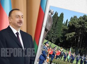 Ilham Aliyev visits grave of Heydar Aliyev
