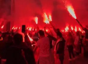 გულშემატკივრები საქართველოს ნაკრებს სტადიონის შესასვლელთან დახვდნენ - VIDEO