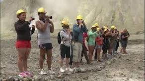 ვულკანურ თეთრ კუნძულზე ტურისტები დაუშვეს, მაღალი რისკის გამო მეცნიერები კი არა