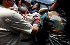 ინდოეთში გარდაცვლილი პაციენტის ნათესავებმა სასწრაფო დახმარების მანქანა დაწვეს