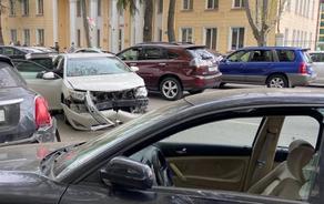 ავარია თბილისში - დამტვრეულია 7 ავტომობილი