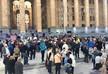 Перед зданием парламента Грузии проходят две акции протеста