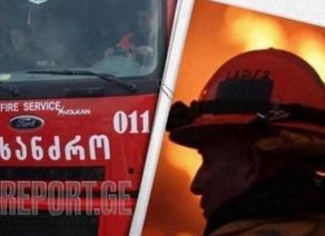 В Самгори пожар тушат 13 экипажей пожарных-спасателей