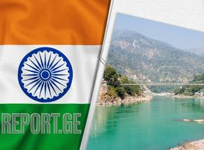 ინდოეთის ხელისუფლებამ აღიარა, რომ განგში COVID-19-ით გარდაცვლილთა ცხედრებს ყრიან