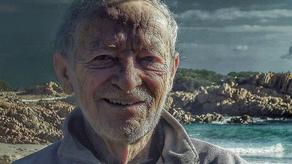 81 წლის იტალიელ რობინზონ კრუზოს უკაცრიელ კუნძულს ატოვებინებენ