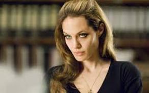 С кем закрутила роман Анджелина Джоли?