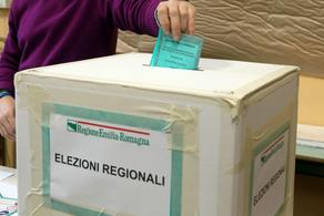 Italy holds a constitutional referendum and regional elections