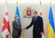 Министр обороны Грузии встретился с послом и атташе Украины
