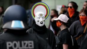 Пятеро полицейских получили ранения в ходе акции протеста в Берлине
