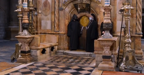 Jerusalem Church of Holy Sepulchre in expectation of the holy fire