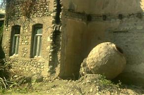 ველისციხეში, მარნის დემონტაჟის დროს უძველესი ქვევრი და საფლავის ქვა იპოვეს