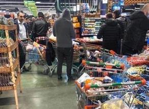 Паника в Тбилиси - в магазинах в массовом порядке скупают продукты
