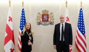 Какие вопросы обсудил министр обороны с послом США?
