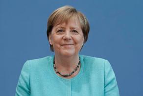 Пенсия Ангелы Меркель составит 15 тыс. евро