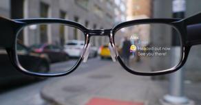 "Google plans production of ""smart glasses"""