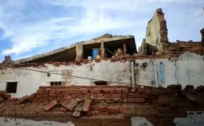 Сильные дожди в Индии обрушили тюремную стену