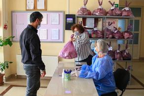 ბათუმის მუნიციპალურ საბავშვო ბაღებში სასურსათო კალათების დარიგება დაიწყო