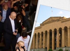 Депутаты от ЕНД пришли в парламент