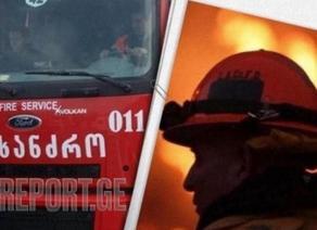 რუსთავში ავტომობილს ცეცხლი გაუჩნდა
